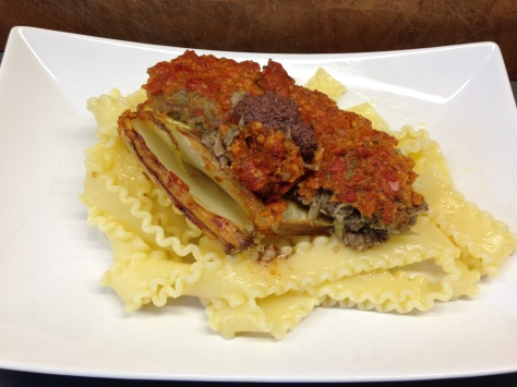 Gefüllte Fenchelknollen mit Tomatenpesto, Oliven und Mandelparmesan